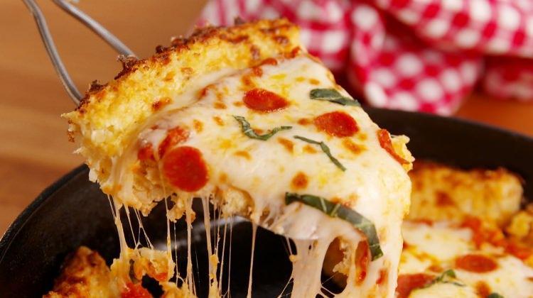 Hazır baklava yufkasıyla pizza nasıl yapılır?