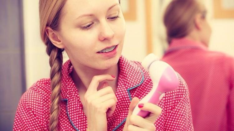 Yüz temizleme fırçası nedir? Nasıl kullanılır?