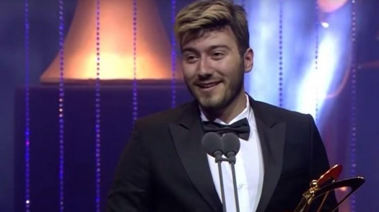 Enes Batur'un Altın Kelebek ödülü geri alındı