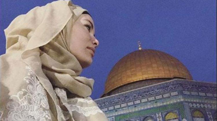 Gamze Özçelik Kudüs'e gitti!