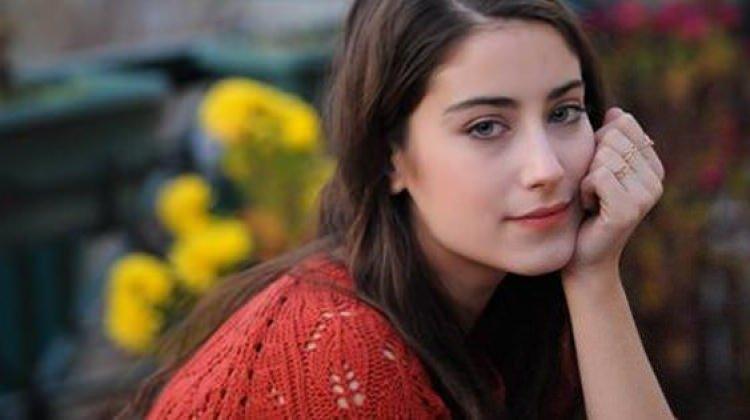 Hazal Kaya İranlı hayranından yine şikayetçi oldu