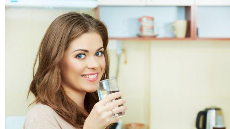 Aç karna su içmenin faydaları