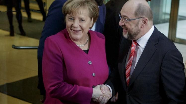 Almanya'da ilk kritik görüşme yapıldı