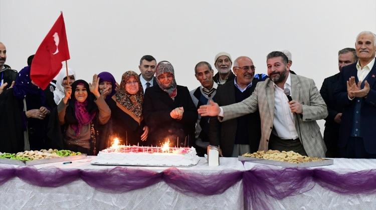 Şanlıurfa'da yaşlılara doğum günü sürprizi