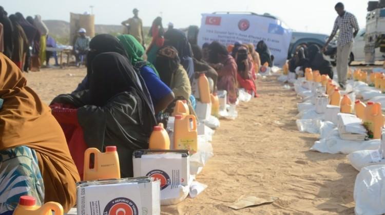 TİKA'dan Kamerun'daki göçmenlere gıda yardımı