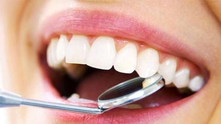 Dişlerinizi kolayca beyazlatmak için 6 tarif...