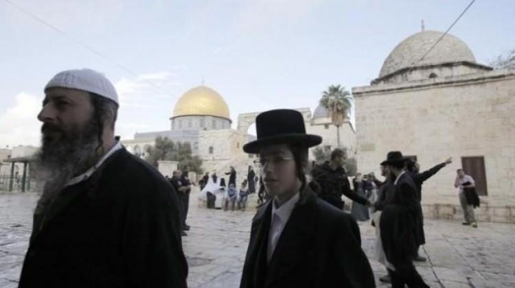 Yahudi yerleşimciler Mescidi Aksa'yı bastı