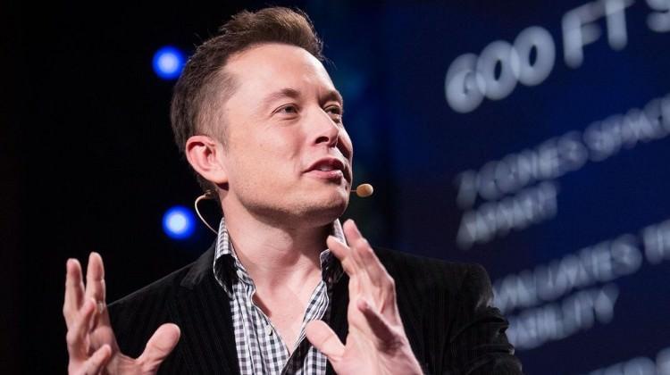 Elon Musk, küresel internet için düğmeye bastı