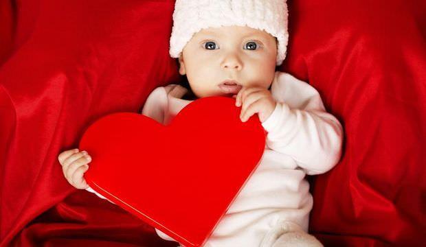 Bebeklerde doğuştan kalp hastalığı belirtileri