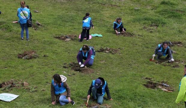 Yeşil Okullardan Doğaya 500 Fidan