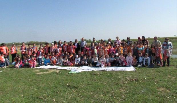 Lüleburgaz'da öğrenciler fidan dikti