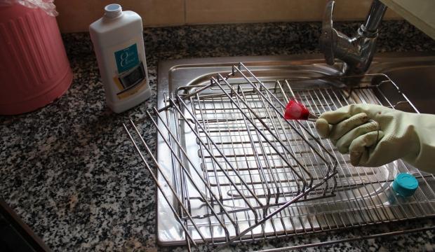 Fırın teli nasıl temizlenir?