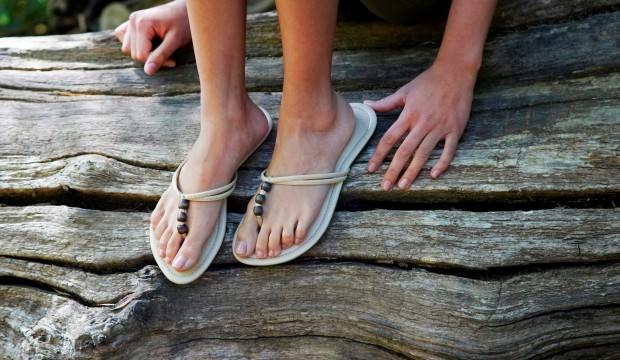 Parmak arası terlik modası nedir?