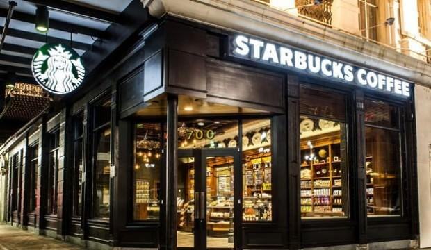 Starbucks'tan tarihi karar!