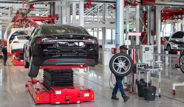 Tesla, Model 3 üretimine ara verdi!