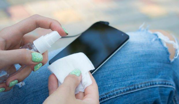 Cep telefonu temizliği nasıl yapılır?
