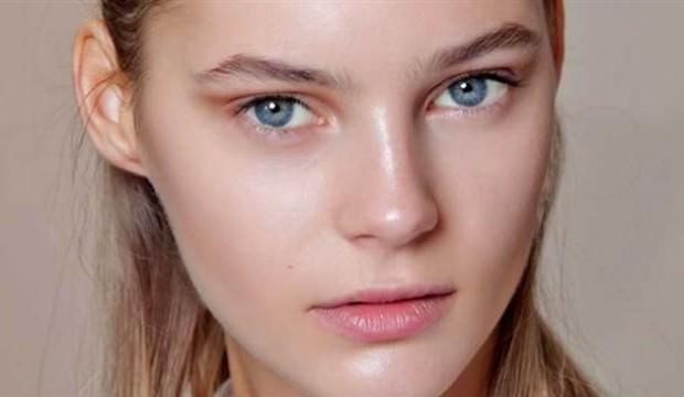 Yağlı cildin parlaması nasıl önlenir?