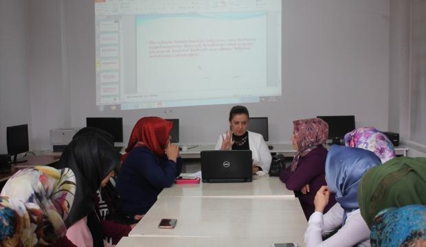 Özalp'ta kadınlar için çağrı merkezi kursu açıldı