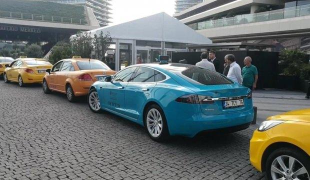 İstanbul'daki taksilerin rengi değişiyor