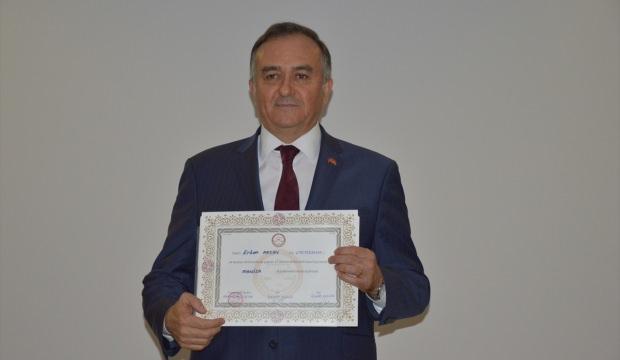 MHP Grup Başkanvekili Akçay, mazbatasını aldı