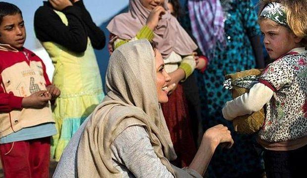 Angelina Jolie Suriyeli evlat edinecek!