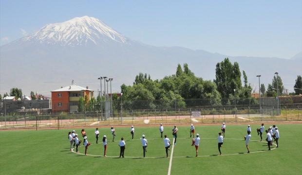Doğu'nun sporcuları Ağrı Dağı eteğinde yetişiyor