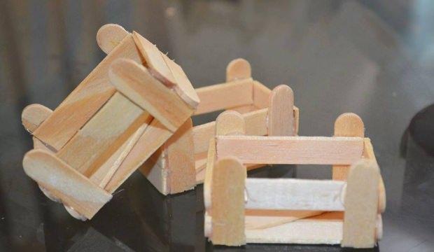 Dondurma çubukları ile meyve kasası yapımı