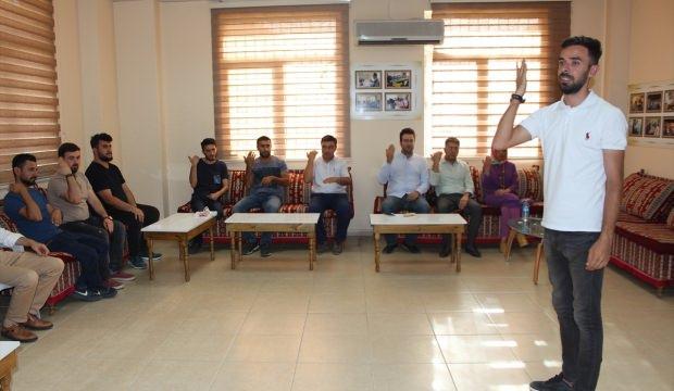 Görevlendirme yapılan belediyeden işaret dili kursu