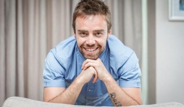 Şarkıcı Murat Dalkılıç pandomim dersi almaya başladı