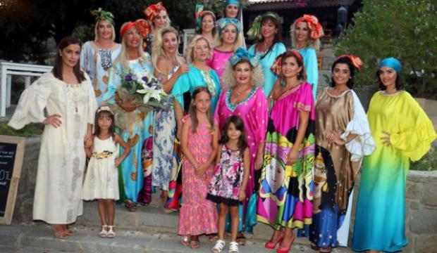 Bodrum'da 'Kadın ve Çiçekler' defilesi
