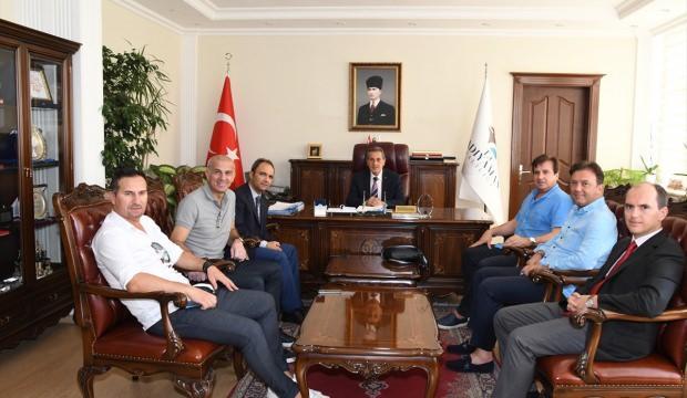 Futbolun efsanelerinden Vali Kalkancı'ya ziyaret