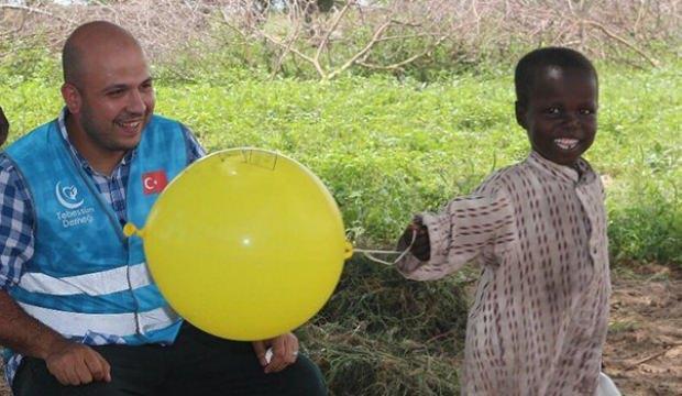 İlk defa balon gören çocukların şaşkınlığı
