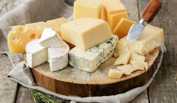 Peynir kilo aldırır mı? 1 dilim peynirin kalorisi ne kadardır?