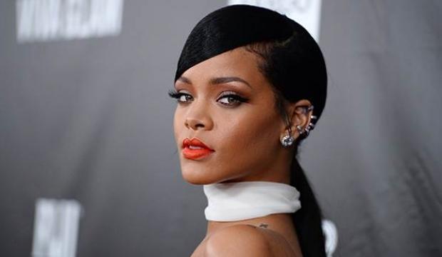 Polisler Rihanna'nın evine helikopterle akın etti