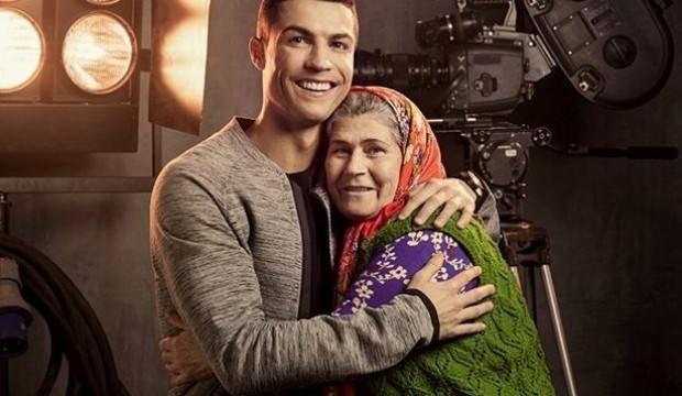 Ronaldo ile reklamda oynayan Ümmiye Koçak anjiyo oldu