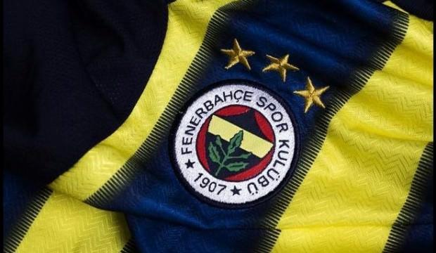 Fenerbahçe erkek takımında oynayan kadın!