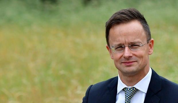 Macaristan'dan Fransa tepkisi: Sömürgeniz değiliz!