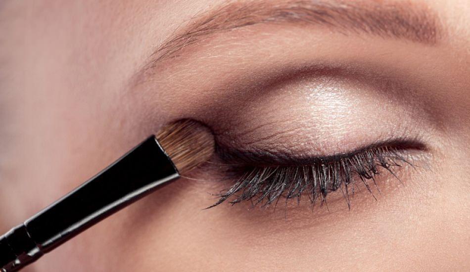 Buğulu, dumanlı göz makyajı nasıl yapılır?