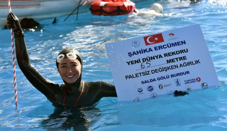 Şahika Ercümen 65 metreye inerek dünya rekoru kırdı!