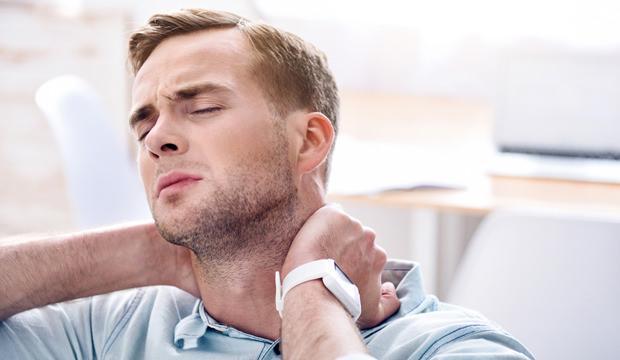 Sürekli boyun ağrısı yaşayanlar için evde tedavi yöntemi!