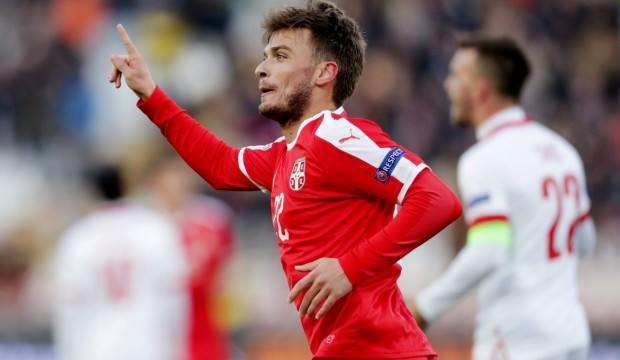 Adem Ljajic attı, Sırbistan avantajı kaptı!