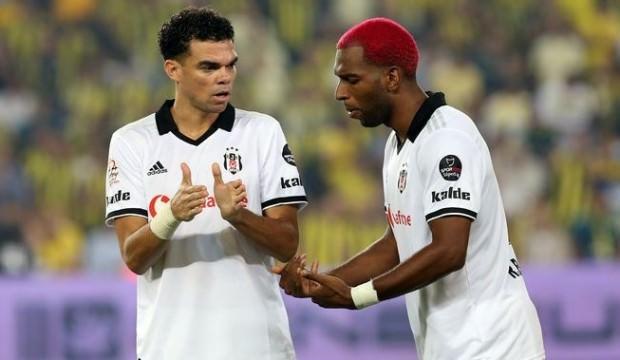 Pepe ve Ryan Babel direkten döndü!