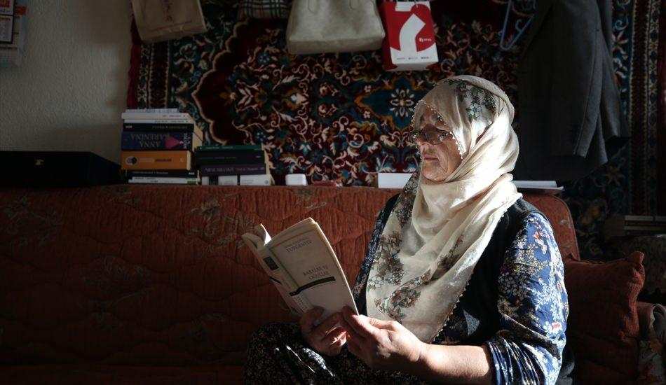 Şehir hayatına sığdıramadığı kitap aşkını köyüne taşıdı