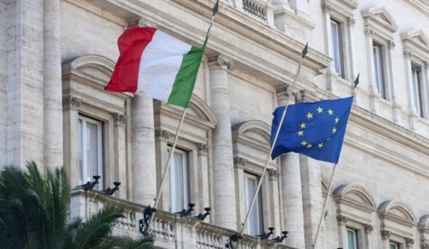 İtalya bütçe krizinden geri adım atmayacak