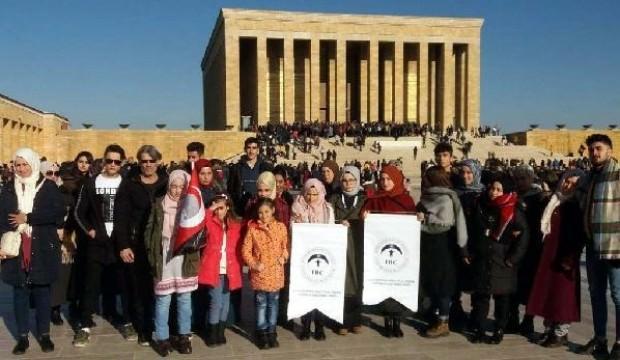 Suriyeli öğrenciler Anıtkabir'i ziyaret etti