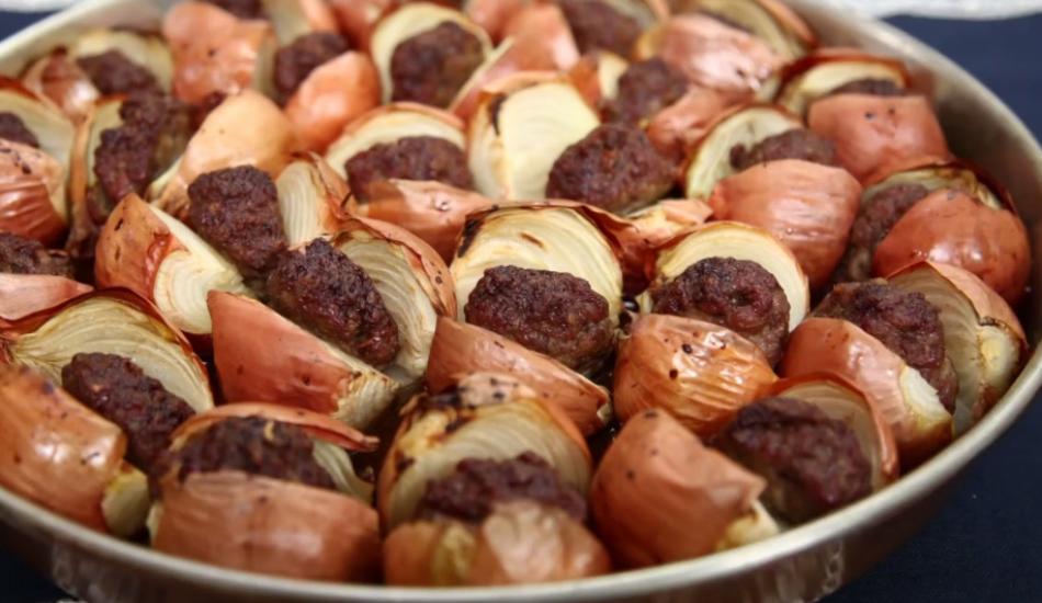 Tepside soğan kebabı nasıl yapılır?