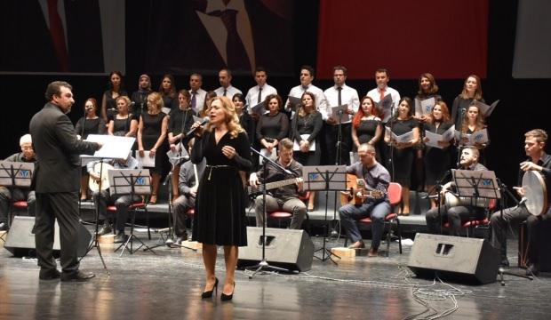 Bilecik'te öğretmenlerden Türk Halk Müziği konseri