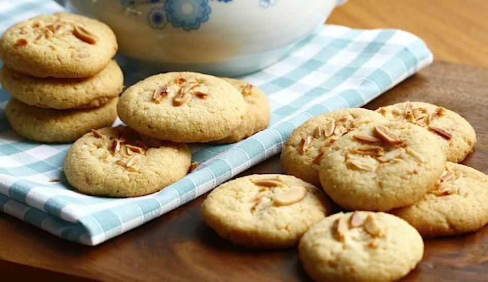 Kolay badem kurabiyesi tarifi