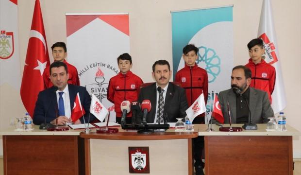 """""""Sivasspor'un Altyapısına Yetenekli Öğrenci Kazandırma"""" projesi"""
