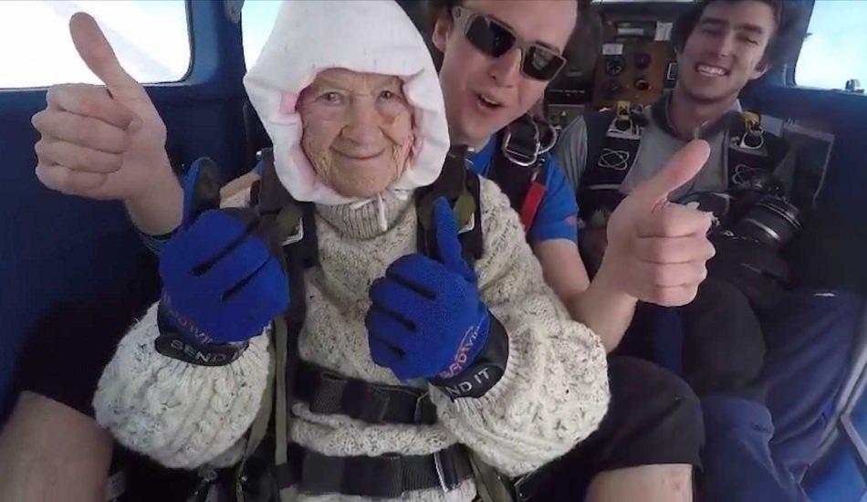 102 yaşında öyle bir şey yaptı ki...